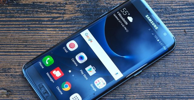 Nghe nhạc trên Samsung Galaxy S7 Edge bằng YouTube, làm sao hiển thị được lời bài hát?