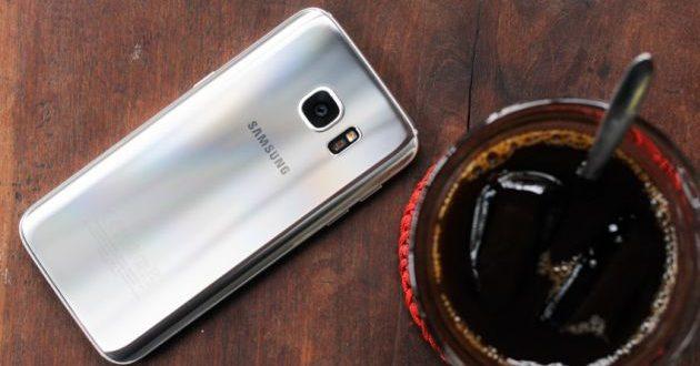 Nên mua Samsung Galaxy S7 / S7 Edge chính hãng hay xách tay?